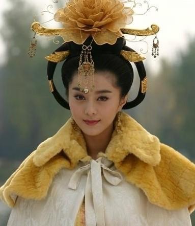 范冰冰 杨幂/李嘉欣赵雅芝朱茵 古装现代装造型都绝美的女星