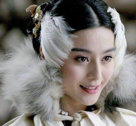 范冰冰/盘点范冰冰古装造型丫鬟青楼女公主女皇演个遍