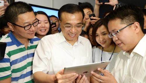 拓维信息员工:总理说,你们可以放心拍照