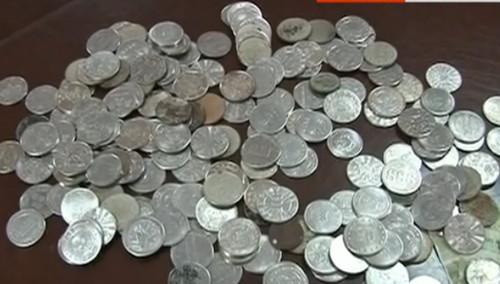 市民坐公交竟投游戏币当硬币蒙混过关