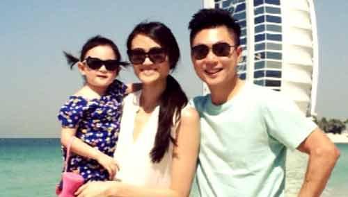 李小鹏夫妇真人秀受好评 开微博带领女儿奥莉进军娱乐圈