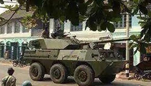 军情急报20150324期:缅甸集结02式突击炮
