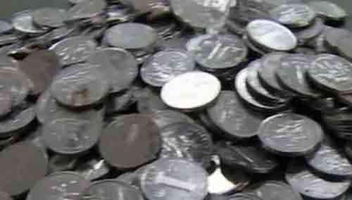 41麻袋1毛硬币存银行 45人得花3天才数完