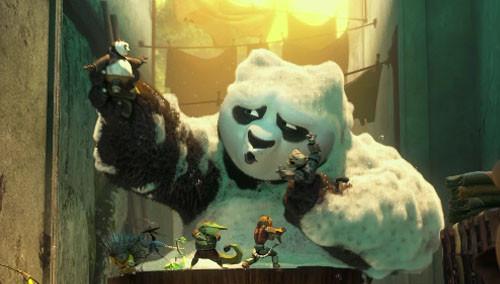 """《功夫熊猫3》曝国际版预告 大Boss天煞吓坏宝宝 众熊猫变身""""进击的团子"""""""