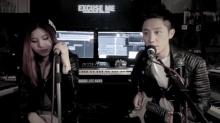 米可<B>陈俊豪</B>致敬周杰伦 钢琴吉他上阵《不能说的秘密》